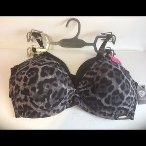 NWT Vince Camuto 2 pack wire free bras 36C